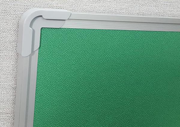 Khung bảng ghim nỉ nhỏ bằng nhôm, 4 góc bịt nhựa