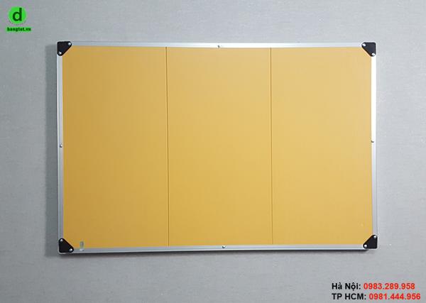 Mặt sau của bảng ghim nỉ treo tường