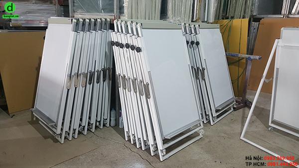 Xưởng sản xuất bảng flipchart kẹp giấy