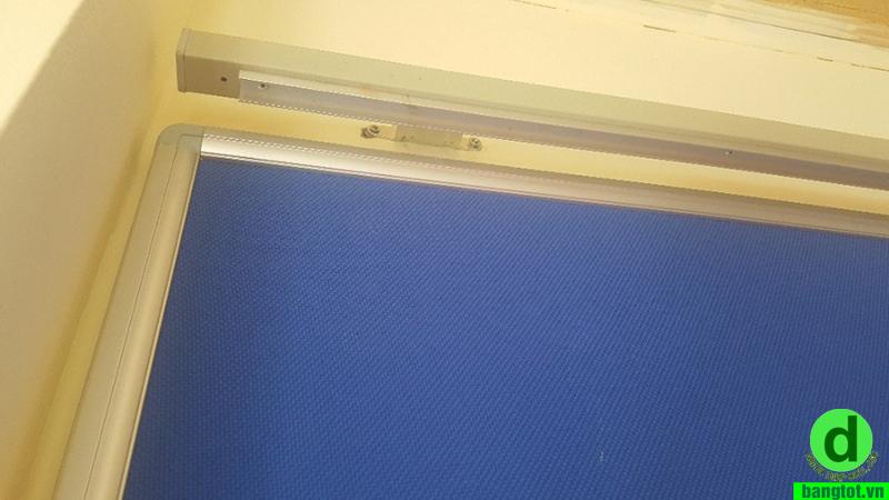 Bảng trượt ngang treo tường
