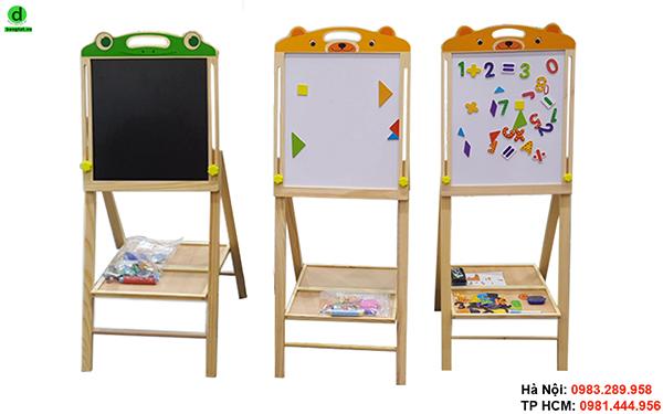 Giá vẽ mầm non bằng gỗ cho bé