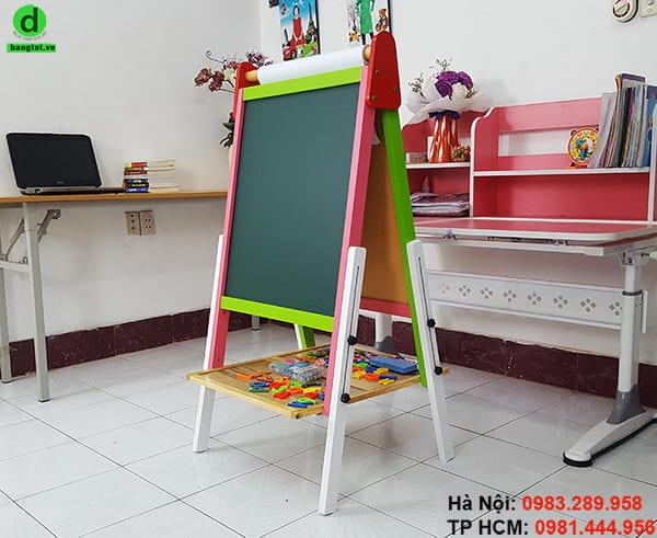 Giá vẽ tranh cho bé có thể điều chỉnh độ cao, gấp gọn dễ dàng
