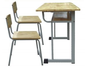 Bàn ghế gỗ học sinh tại Bảng Tốt