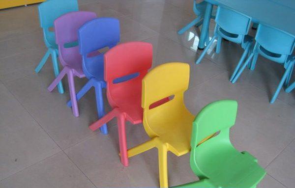 Ghế có thể gấp gọn chồng lên nhau