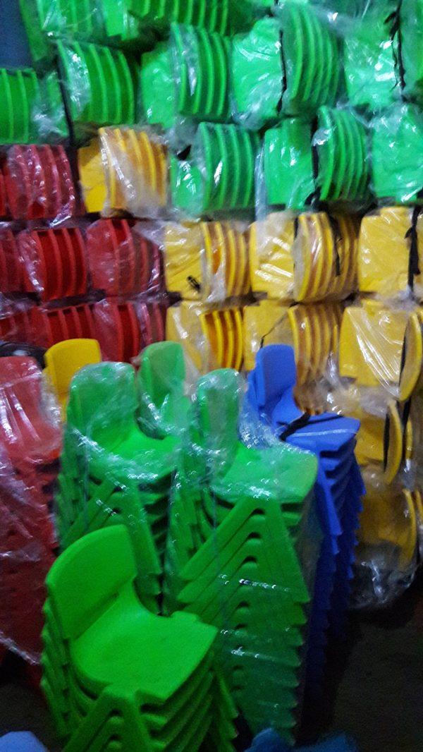 Ghế nhựa đúc cho các bé mầm non