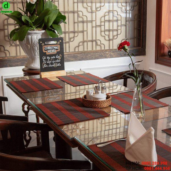Bảng gỗ để bàn