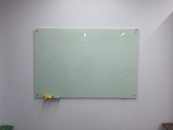 Bảng kính trắng văn phòng