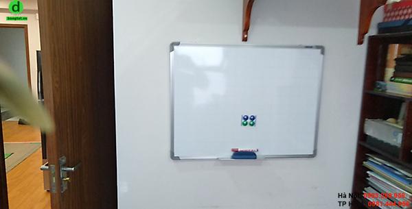 Bảng từ trắng nhỏ 0.9x1.2m