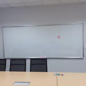 Bảng từ trắng treo tường
