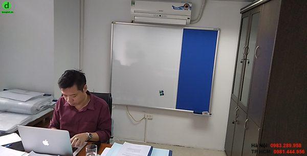 Lắp đặt bảng combo từ trắng ghim nỉ cho công ty Chiến Long