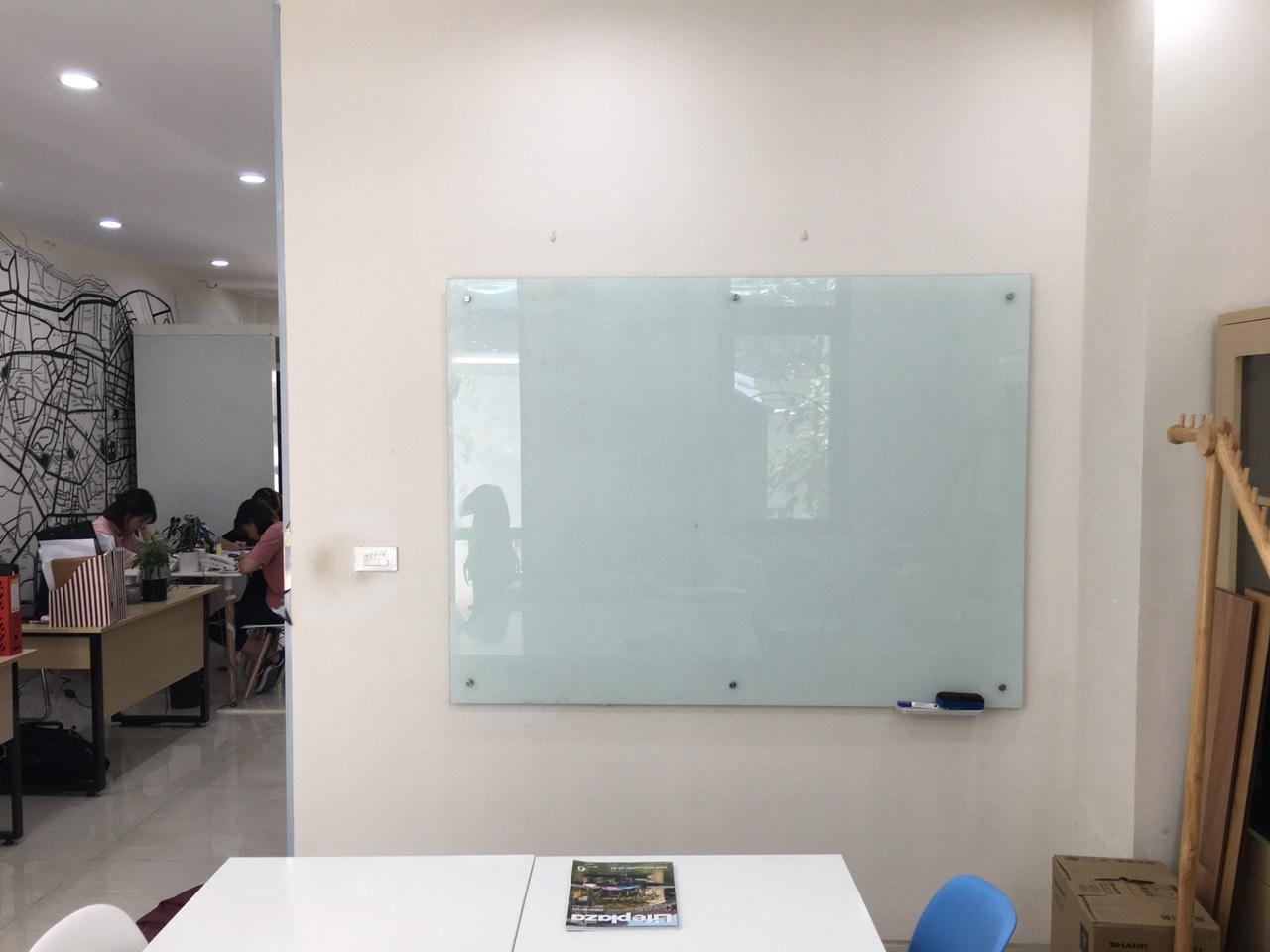 Bảng kính văn phòng giá rẻ