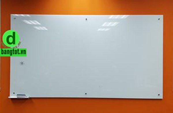 Lắp bảng kính treo tường tại các tỉnh