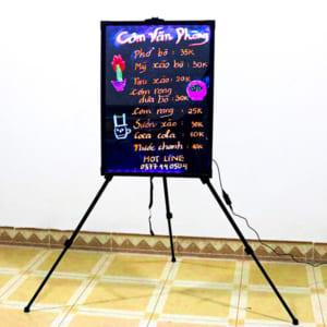 Vẽ trang trí bảng huỳnh quang quán ăn