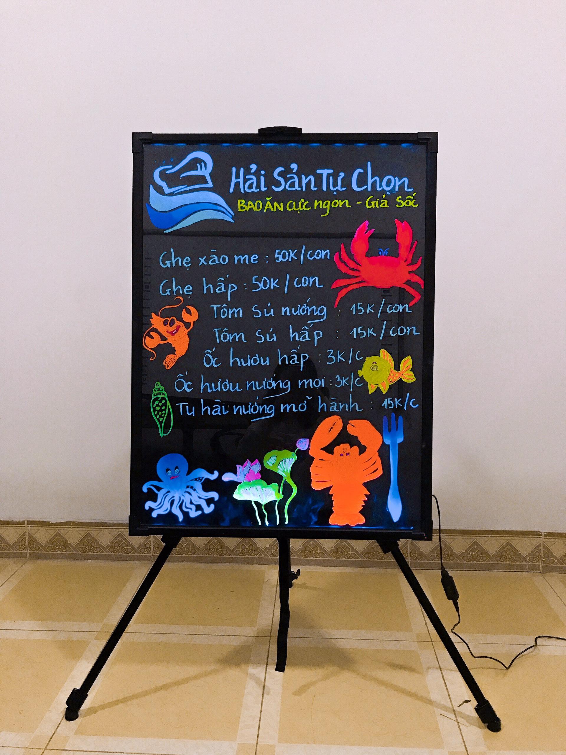 Vẽ bảng huỳnh quang quán hải sản