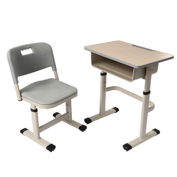 Bàn ghế cho trẻ ngồi học