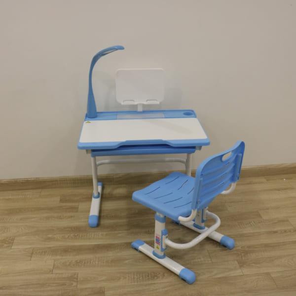 bàn ghế chống cận thị Q8