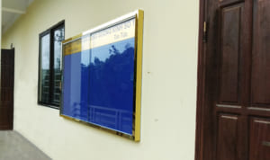 Bảng thông tin ghim nỉ treo tường