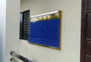 Bảng thông báo khung ion vàng